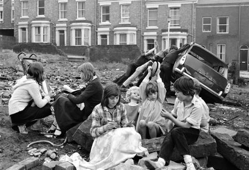 Kenilworth Road Kids (2) - Juvenile Jazz Bands exhibition by Tish Murtha © Ella Murtha